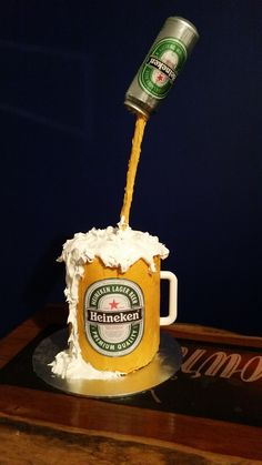 10 examples of gravity cake - Number Cake - Bier Beer Mug Cake, Cake Mug, Beer Cakes, Anti Gravity Cake, Gravity Defying Cake, Birthday Cakes For Men, 21st Birthday, Comida Diy, Cake Structure