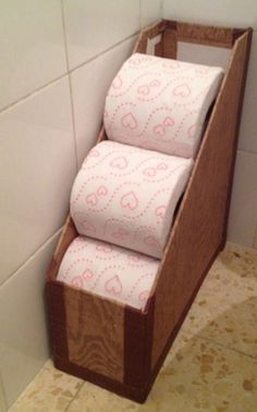 Toilet roll holders 8