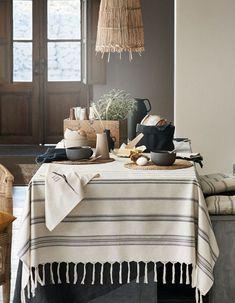 H&M Home : notre sélection déco à moins de 40 € - Elle Décoration Unique Home Decor, Cheap Home Decor, Hm Home, Cheap Bedroom Decor, Wooden Storage Boxes, Shades Of Beige, 50 Shades, How To Antique Wood, Home Decor Accessories