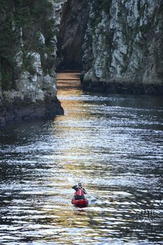 Paddling into the gorge as the afternoon glow shimmers on the water Kayak Boats, Canoe And Kayak, Kayaks, Life Is An Adventure, Adventure Travel, Beautiful Castles, Beautiful Places, Whitewater Rafting, Adventure Activities