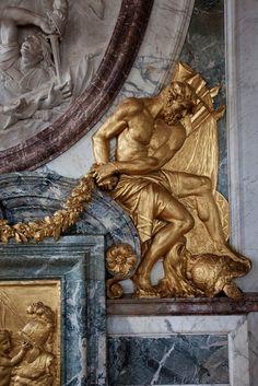 VERSAILLESADNESS | versaillesadness: Versailles' Details.