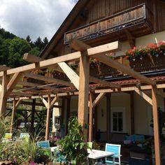 Landhof Schober, het heerlijke terras waar ook de bbq staat Pergola, Bbq, Outdoor Structures, House, Barbecue, Barrel Smoker, Outdoor Pergola