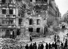 Bombardeo nocturno en la plaza Antón Martín, Madrid 1936