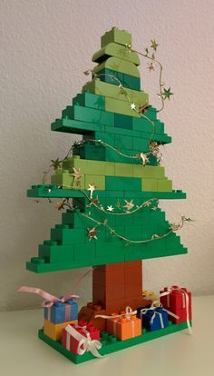 LEGO Duplo Christmas Tree - LEGO Duplo Christmas Tree The Effective Pictures We Offer You About disney crafts A quality pictur - Lego Christmas Tree, Noel Christmas, Christmas Decorations, Holiday Decor, Lego Duplo, Lego Activities, Christmas Activities, Xmas Crafts, Crafts For Kids