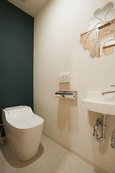 可愛らしいトイレ Japanese House, Toilet, Bathtub, Bathroom, Standing Bath, Washroom, Flush Toilet, Bathtubs, Bath Tube