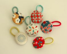 Boutons élastiques little menina - Diy / tutoriel