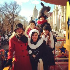 Duck Dynasty at macys thanksgiving day parade. Who else got excite when you saw them? Duck Dynasty Family, Duck Dynasty Cast, Christmas Day Parade, Macys Thanksgiving Parade, Robertson Family, Sadie Robertson, Jep And Jessica, Miss Kays, What The Duck
