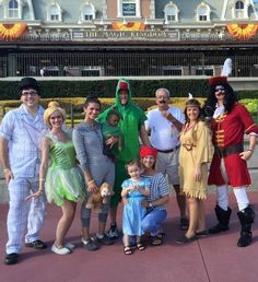 The entire Peter Pan crew   25 Family Halloween Costumes That'll Convince You To Have Kids