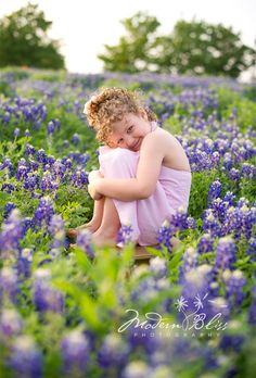 A beautiful shoot in a large field of bluebonnets in Plano, Texas.   Picture taken by Denise Piaschyk of Modern Bliss Photography.    Please do not delete photographer info.