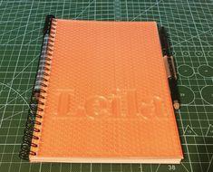 Acabado el último de los cuadernos personalizados para regalo. Las tapas están hechas con PLA transparente y en su interior llevan dos hojas de pizarra blanca y el resto al gusto de cada cual. Incluye un rotulador para la pizarra blanca de 0.6mm y un bolígrafo borrable. #3dprinted #modelado3d #productmanufactoring #3dprints #3dprinter #3dprintedmodels #3dworld #modelos3d #impresion3d #impresoras3d #additivemanufacturing #fabricacionaditiva #productdesign #3dprinting #proyectos… 3d Things, Office Supplies, Notebook, See Through, Custom Notebooks, Chalkboard, Leaves, Gift, Creativity