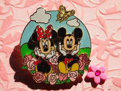 Mickey and Minnie Mouse with Roses, beautiful Disney pin!