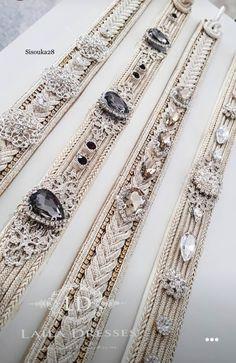 Laila Dresses Zardozi Embroidery, Gold Embroidery, Embroidery Fashion, Bold Jewelry, Hair Jewelry, Jewelry Design, Moroccan Caftan, Moroccan Style, Bridesmaid Accessories