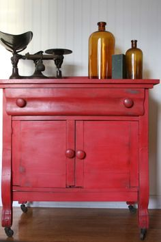Tricycle MMS Milk Paint Corner cabinet needs to be this color! Red Painted Furniture, Milk Paint Furniture, Furniture Projects, Furniture Makeover, Vintage Furniture, Home Furniture, Eclectic Furniture, Painting Furniture, Empire Furniture