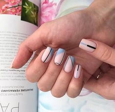 Square nails are the basic shape of classical French nails. This shape of nails is straight on both sides, sharp edges, suitable for more powerful women. Square nails are suitable for nails with longer nails and larger nail beds. Chic Nails, Classy Nails, Stylish Nails, Trendy Nails, Simple Acrylic Nails, Best Acrylic Nails, Simple Nails, Square Nail Designs, Colorful Nail Designs