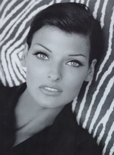 #Linda #Evangelista - mannequin canadien année 80