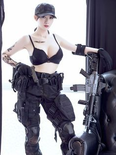 Women With Weapons - Hot Military Girls - Girls With Guns Photo. Facts That Show How Far Women Have Come In The Military Asian Woman, Asian Girl, Military Girl, Warrior Girl, Military Women, Female Soldier, Mädchen In Bikinis, Female Poses, Cosplay Girls