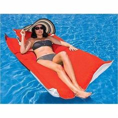 Floating Lounger-Toy - www.Gifteee.com - Cool Gifts \ Unique Gifts - The Best Gifts for Men, Women and Kids of All Ages Luxury Swimming Pools, Luxury Pools, Pool Pillow, Kai, Floating Lounge, Pool Lounge, Pool Bed, Pool Accessories, Pool Floats