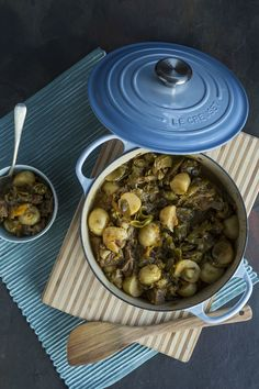 Waterblommetjie bredie -The Truffle Journal South African Dishes, South African Recipes, Great Recipes, Favorite Recipes, Banting Recipes, Stew, Food To Make, Main Dishes, Dessert Recipes