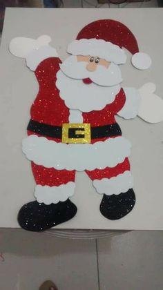 Best 12 DIY Christmas Poinsettia Felt Wreath « Simple, Sweet, and Southern – SkillOfKing.Com – SkillOfKing. Christmas Arts And Crafts, Santa Crafts, Christmas Activities, Christmas Poinsettia, Felt Christmas, Christmas Cards, Christmas Ornaments, Kids Crafts, Christmas Door Decorations