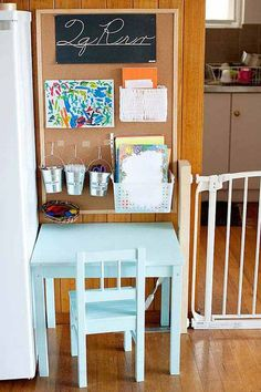 Stunning 20+ Adorable Homework Station Ideas That Your Kids Will Love https://modernhousemagz.com/20-adorable-homework-station-ideas-that-your-kids-will-love/