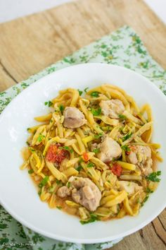 Yami Yami, Pasta, Food And Drink, Cooking Recipes, Drinks, Ethnic Recipes, Green, Fine Dining, Drinking