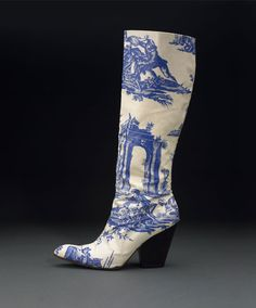 """♔ Vivienne Westwood Toile Printed Boot """"Inspired by Century Dutch Delft pottery"""" ~ Anita Rendon Heeled Boots, Bootie Boots, Shoe Boots, Vivienne Westwood Shoes, Blue China, Vintage Shoes, Me Too Shoes, Rubber Rain Boots, Fashion Shoes"""