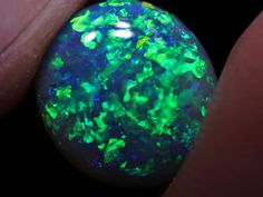 Beautiful green Clover leaf pattern black opal