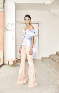 Carlo Carrizosa - Pasarela   Galería de fotos 15 de 27   VOGUE Runway Fashion, Girl Fashion, Womens Fashion, Fashion Trends, Vogue, Her Style, Spring Summer Fashion, Dress Up, Celebs