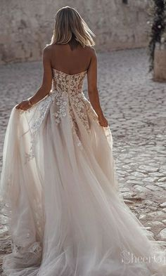 wedding dress sweetheart A-line Sweetheart Long White Tulle Wedding Dress Popular Sweetheart Illusion Long Wedding Dress, 2019 Wedding Dress Rustic Wedding Dresses, Long Wedding Dresses, Tulle Wedding, Bridal Dresses, Tule Wedding Dress, Wedding White, Wedding Shoes, Beaded Dresses, Short Dresses