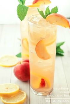 This Southern Spiked Peach Iced Tea is a little bit country & a little bit rock and roll. One sip will leave you wanting more! The Complete Guide to Cocktails Cocktails Refreshing Drinks, Summer Drinks, Cocktail Drinks, Cocktail Recipes, Tea Drinks, Beverages, Fruity Drinks, Cocktail Ideas, Summer Parties