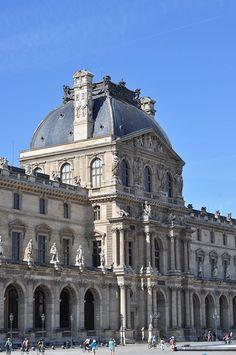 Louvre tall