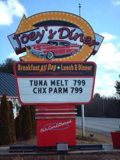 1950 decor - Google Search Diner Sign, Tuna Melts, Retro Diner, News Cafe, Sock Hop, Old Signs, Road Trippin, Diners, Hairspray