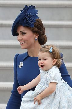 "Emily Nash on Twitter: ""Loving the blue on #Kate and #PrincessCharlotte - the cutest CopyKate! #RoyalVisitCanada #RoyalTourCanada"