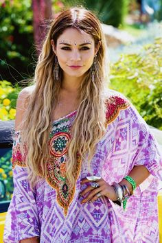 Vanessa Hudgens in bohemian tribal makeup and fashion at Cochella 2014 #tribal #boho
