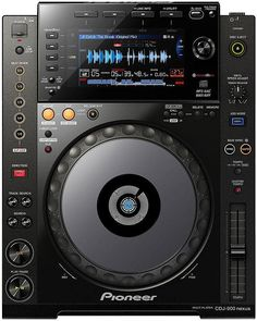 Pioneer CDJ-900 NXS-The CDJ-900NXS boasts professional quality audio circuitry and an onboard sound card, for a clear, powerful sound even at club volumes.