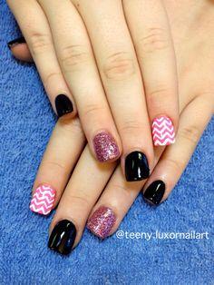 chevron nail art | short nails