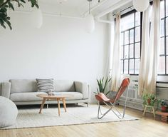 This Breather is located in the heart of Montreal. Photo by Sophie Gauthier-Mehlman. Small Workspace, Workspace Design, Best Workplace, Of Montreal, Beautiful Space, Magazine Design, Living Room Decor, Living Rooms, Zen