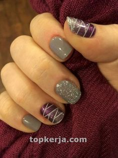 The advantage of the gel is that it allows you to enjoy your French manicure for a long time. There are four different ways to make a French manicure on gel nails. Winter Nail Art, Winter Nail Designs, Best Nail Art Designs, Short Nail Designs, Gel Nail Designs, Simple Nail Designs, Winter Nails, Nails Design, Pedicure Designs