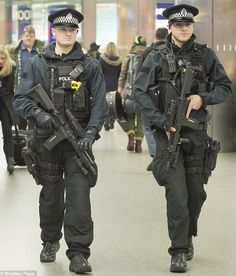 Military Police, Police Officer, Airsoft, German Police, Military Photos, Military History, Police Humor, Hot Cops, Police Uniforms