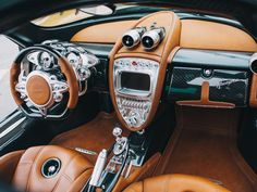 Pagani Huayra: The steampunk hypercar interior that will blow your mind (pictures) - CNET - Page 21 This.