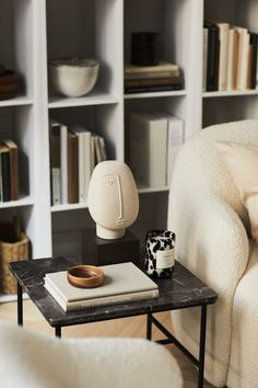 Interior Ceramic Sculpture - Light Beige / Face - Home All Home Interior, Interior Styling, Interior Decorating, Modern Interior, Swedish Interior Design, Autumn Decorating, Interior Plants, Nordic Design, Interior Lighting