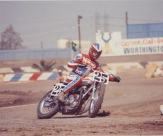 1975 Team Norton-Rob Morrison, another great post from a fan! #TeamNorton #Ascot #DirtTrack #Motorcycles @norton_ceo