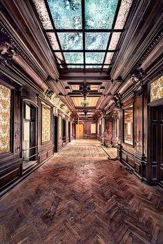 Wooden Corridor | Benjamin Wiessner | Flickr