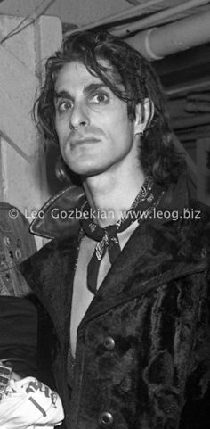 perry farrell gawd how old is this he looks like a