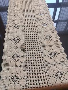 Crochet Doily Rug, Crochet Doily Patterns, Crochet Tablecloth, Filet Crochet, Crochet Stitches, Crochet Table Runner, Table Runners, Crochet Projects, Diy And Crafts