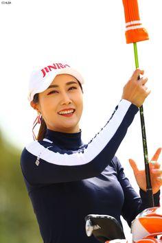 キム・ハヌル | 女子プロ写真館 | スマイル編(NO.40047) | ゴルフのポータルサイトALBA.Net Golfers, Asian Woman, Lady, Beauty, Women, Fashion, Moda, Fashion Styles, Cosmetology