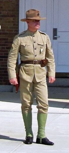 Uniform Packages | United States Marine Corps Historical Company Marine Corps Uniforms, Marine Officer, Navy Uniforms, Us Marines Uniform, Marine Corps Quotes, Marine Corps History, Marine Corps Bases, Tactical Cargo Pants, Tactical Gear