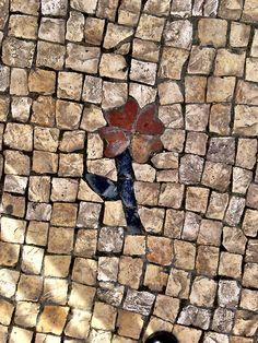 Portuguese cobblestone sidewalk mosaic - Calçada Portuguesa #portugal