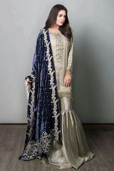 Maria B Chiffon Suit, Ladies Replica Shop, Embroidered Dresses. Pakistani Fancy Dresses, Pakistani Fashion Party Wear, Desi Wedding Dresses, Pakistani Wedding Outfits, Pakistani Dress Design, Indian Dresses, Pakistani Couture, Saris, Stylish Dresses