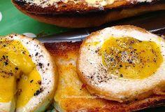 The Perfect Vegan Fried Egg . . . Sunny Side Up Heart Healthy Breakfast, Gourmet Breakfast, Vegetarian Breakfast, Vegan Breakfast Recipes, Vegan Vegetarian, Breakfast Ideas, Sunny Side Up Eggs Recipe, Perfect Fried Egg, Sunnyside Up Eggs
